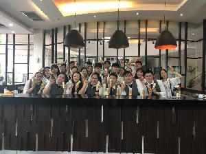 Unjuk Kebolehan Mahasiswa UPH dan Korea Meracik Mocktail Bersama