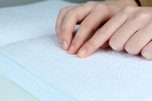 Kemendikbud Luncurkan KBBI Braille Pertama di Indonesia