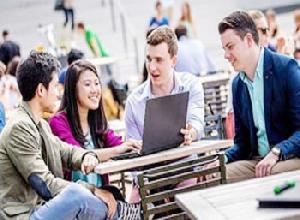 Buruan, Raih Beasiswa MBA di Belanda