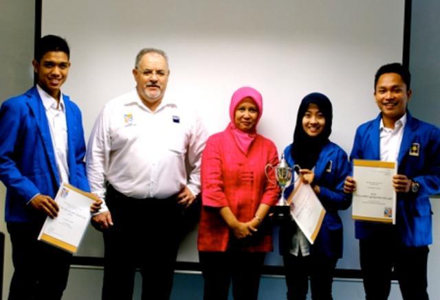 UII Yogyakarta Juarai ERPSim 2014 di Singapore