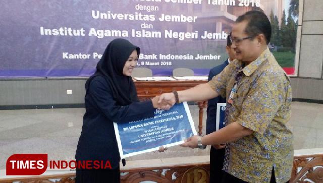 Mahasiswa UNEJ-IAIN Dapat Beasiswa GenBI dari BI Jember