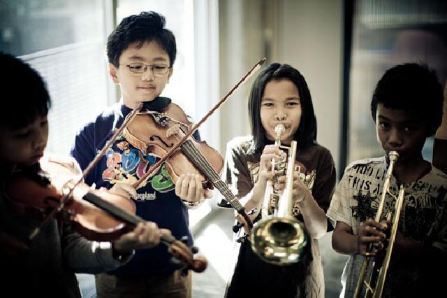 Manfaat Musik bagi Kecerdasan Anak