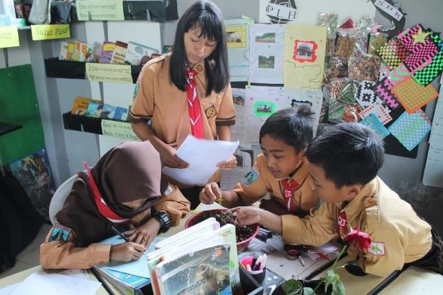 Gagasan untuk Menyemai Kemampuan Siswa dalam Pemecahan Masalah dan Keterampilan Berkolaborasi