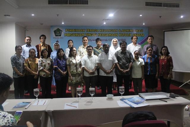 Pembinaan Tenaga Keuangan dan Administrasi Perguruan Tinggi Keagamaan Swasta
