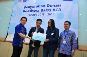 Dua PTN di Jawa Timur Terima Beasiswa Bakti BCA Senilai Rp4,95 Miliar