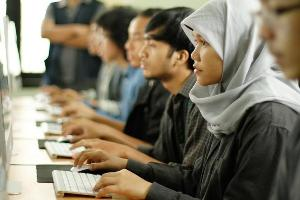 Pengamat Nilai Masih Ada Kesenjangan Pendidikan antara Pria dan Wanita