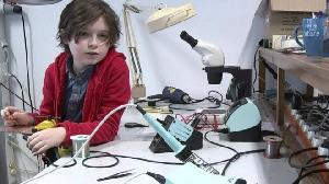 Mengagumkan,  Anak Ini Memperoleh Gelar Kesarjanan di Usia 9 Tahun