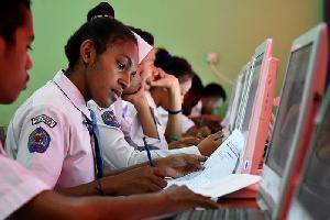 500 Paket Beasiswa untuk Siswa Papua Barat
