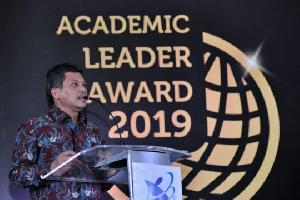 Penghargaan bagi Rektor dan Dosen Unggulan Tahun 2019