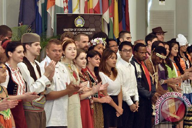 70 Pemuda Mancanegara Akan Tampil di Indonesia Channel 2014