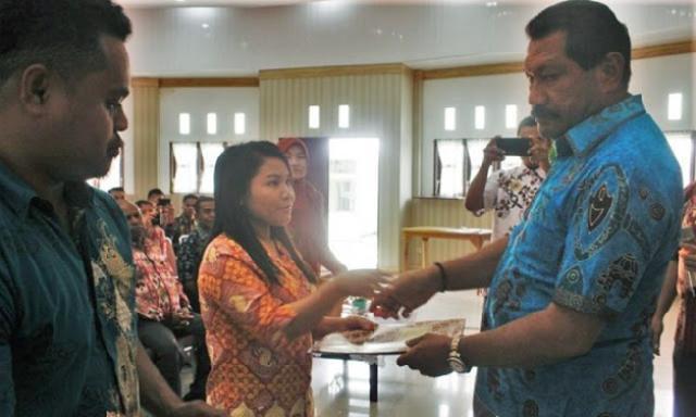 50 Guru Cerdas Siap Berkarya di Jayawijaya