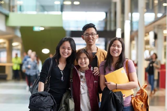 Memilih Universitas di Luar Negeri: Apa yang Harus Dipertimbangkan?