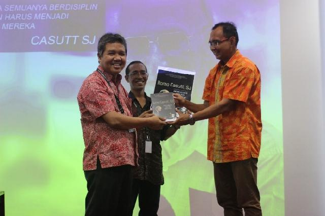 Romo Casutt SJ: Dalam Senyap Bangun Pendidikan Vokasi Indonesia