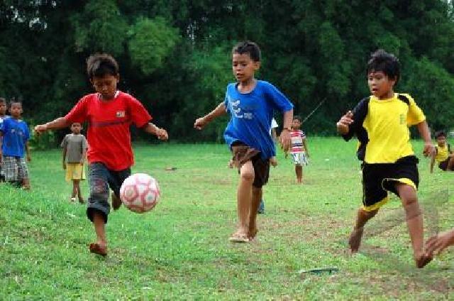 Sangat Baik, Biasakan Anak Bermain Sepakbola