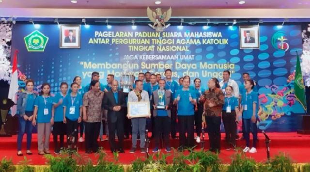 STP Kupang Juarai Ajang Paduan Suara antar  PTAK 2019