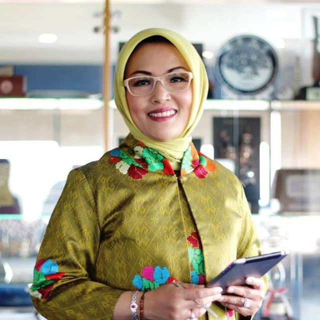 Prof Dwia Aries Tina Pulubuhu, Berjuang untuk Perempuan dan Anak