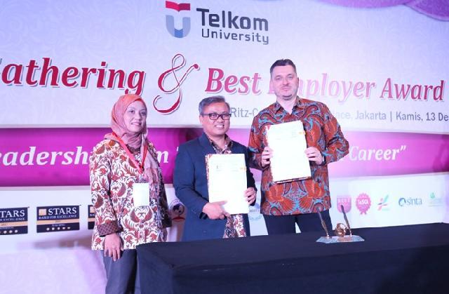 Kemitraan Telkom University dan Telkomtelstra untuk Tingkatkan Kualitas Mahasiswa