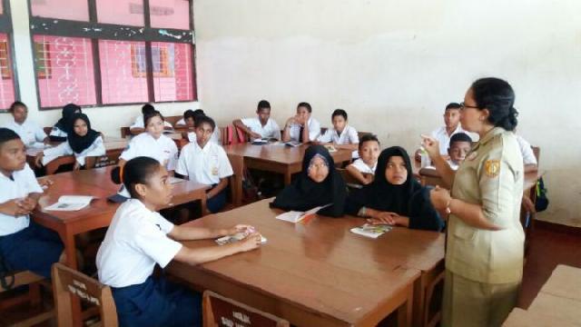 PR Pemerintah Bidang Pendidikan, Perbaiki Kualitas Guru !